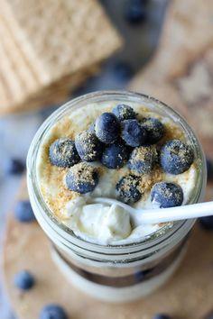 {No Bake} Vanilla Bean Cheesecake Blueberry Pie