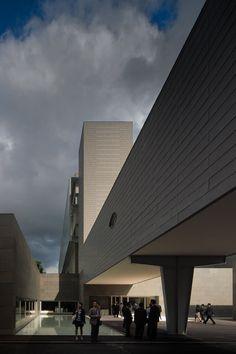 Amore Pacific Research & Design Center | Alvaro Siza, Carlos Castanheira and Kim Jong Kyu | Image © Fernando Guerra | FG+SG
