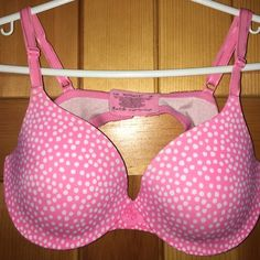 Pink Bra Pink polka dot Bra! Comfortable 36C but D could fit also. Super cute, little lace detail throughout. Fun and sexy☺️🌸 only worn a few times, in good condition! Warners Intimates & Sleepwear Bras