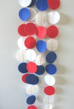 Items similar to Patriotic / Fourth of July Felt Circle Garland - made with felt circles in red, white and royal blue Patriotic Crafts, Patriotic Party, July Crafts, Holiday Crafts, 4th Of July Celebration, 4th Of July Party, Fourth Of July, Circle Garland, Felt Garland
