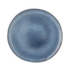 Kaunis Sandrine lautanen tulee tanskalaiselta Bloomingvilleltä. Se valmistetaan käsityönä lasitetusta keramiikasta ja siinä on kauniin rustiikki tyyli. Saatavana eri väreissä.