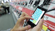 Consumentenvertrouwen voor het eerst in 7,5 jaar weer positief   NU - Het laatste nieuws het eerst op NU.nl