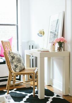 Fizz56 Dream Room Makeover: Winner's Home Tour #theeverygirl // #studio apartment // graphic rug // desk home office // black gold white pink
