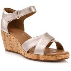 https://www.nak.gr/woman-shoe-clarks-un-plaza-cross-118442-un-plaza-cross-gold-metallic.html