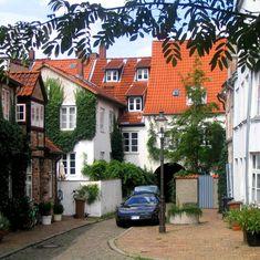 Lübeck, Engelswisch Thorweg ist ein kleiner Hof im Englandfahrer-Viertel der…