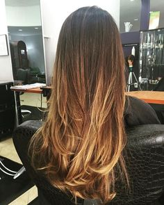 Fantastico riflesso solare sulle punte con la nostra tecnica per la nostra amica cliente @jojo_sarduy Hair by @at_sabatino @sabatinohairsalon  #color #hairstylist #haircolorist #colorist #stylist #love #balayage #highlites #ombre #ombrecolor #ombrehair #hair #haircut #inspire #support #passion #salon #privatestudio #blonde #brunette #redhead #balayagehighlites #americansalon #stylistshopconnect #angelofcolour @modernsalon @behindthechair_com @american_salon @angel_of_colour…