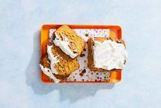 Gezond zoet pompoenbrood - Recept - Allerhande - Albert Heijn 20 Min, Something Sweet, Catering, Healthy Snacks, Foodies, Cupcakes, Sweets, Desserts, Recipes