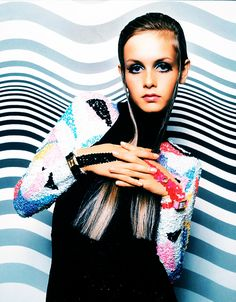 If you love Twiggy, you should read this article: http://1960sfashionstyle.com/1960s-fashion-model-twiggy/