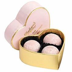 charbonnel-et-walker-pink-marc-de-champagne-truffles-heart-box