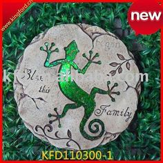 2011 new Colorful Mosaic Gecko Stepping Stone for sale - Price,China Manufacturer,Supplier 4528482011 new Colorful Mosaic Frog Paving Stone / China Other Garden Ornaments & Water Features for sale from Shenzhen Kingford Commercial Co.This is adorable Tryi Mosaic Diy, Mosaic Crafts, Mosaic Glass, Glass Art, Mosaic Ideas, Stained Glass, Mosaic Stepping Stones, Paving Stones, Mosaic Rocks