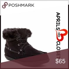"""❤️ Ankle Boots Faux Fur Lined Chukka Booties 💟NEW WITH TAGS💟 RETAIL PRICE: $80  Short Ankle Boots Faux Fur Lined Chukka Booties  * Lace up vamp closure  * Solid Allover color; Vegan suede fabric & faux fur lining  * Moc Toe & top stitched detail  * Soft & cozy   * 5.5"""" high shaft  Fabric: Synthetic upper & faux fur lining; manmade sole Color: BlackItem:  🚫No Trades🚫 ✅ Offers Considered*✅ *Please use the blue 'offer' button to submit an offer. Boutique Shoes Ankle Boots & Booties"""