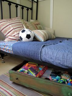 Repurpose Old Drawers for under bed storage - Dukes and Duchesses