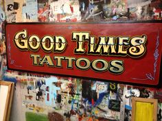 Gold leaf on the tattoo lettering. Tattoo Signs, E Tattoo, Signwriting, Painting Tattoo, Pinstriping, Hand Painted Signs, Vintage Signs, Hand Lettering, Display
