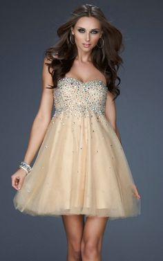 Sweetheart Ruched Strpless Sleeveless Short Beaded Lovely Chamapgen 2012 Prom Dresses! http://reneesadvice.com/blog/