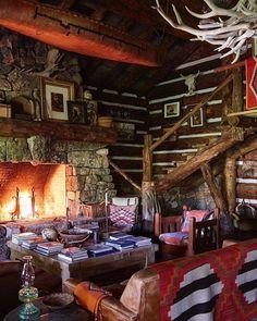 41 Most Elegant Wood Cabin Design Ideas - Western Home Decor Living Room Southwestern Home, Southwest Decor, Log Cabin Homes, Log Cabins, Western Homes, Rustic Homes, Cabin Interiors, Cabin Design, House Design