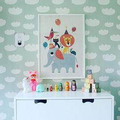 The mint cloud wallpaper looks so adorable!