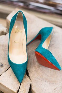 Turquoise suede Louboutin pointy pumps for more findings pls visit… Pretty Shoes, Beautiful Shoes, Cute Shoes, Me Too Shoes, High Heels, Shoes Heels, Teal Heels, Blue Pumps, Pointe Shoes