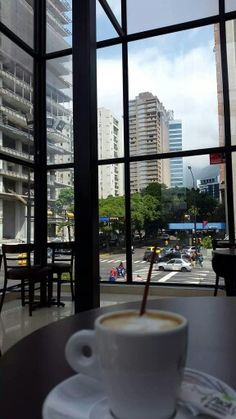 Tomando Cafe en Altamira #Caracas