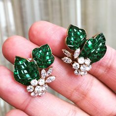"""Beautiful Mystery set gold and emerald earrings by @vancleefarpels circa #1960s @sothebys sale of #magnificentjewels in Hong Kong on April 5…"""