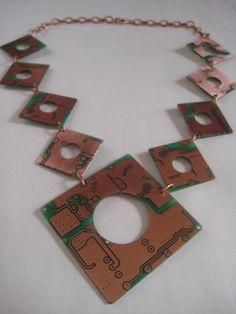 Design Innova: Joias Recicladas