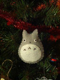 """My Neighbor Totoro"" Tree Ornament... LOVE this!"