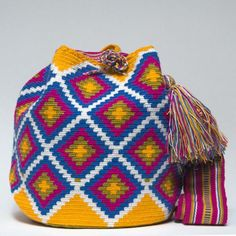 """New Cheap Bags. The location where building and construction meets style, beaded crochet is the act of using beads to decorate crocheted products. """"Crochet"""" is derived fro Tapestry Bag, Tapestry Crochet, Crochet Shell Stitch, Bead Crochet, Wiggly Crochet, Crotchet Bags, Mochila Crochet, Crochet Backpack, Crochet Purses"""