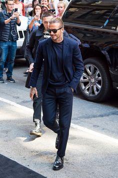 15 Ideas Photography Model Male Casual For 2019 David Beckham Suit, David Beckham Style, Best Mens Fashion, Suit Fashion, Men's Street Style Photography, Mode Man, Herren Outfit, Men Formal, Bermuda