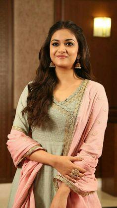 Indian Actress Photos, South Indian Actress, Indian Actresses, South Indian Film, Indian Film Actress, Most Beautiful Indian Actress, Beautiful Actresses, Rakul Preet Singh Saree, Indian Bridal Sarees