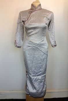Elegant VINTAGE CHINESE DRESS Silver Grey Silk with Red 1950's Gorgeous Size 6-8   eBay