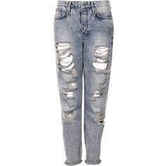 TOPSHOP MOTO Bleach Super Rip Hayden Jeans (28 CAD) ❤ liked on Polyvore featuring jeans, pants, bottoms, calças, trousers, bleach stone, topshop jeans, boyfriend fit jeans, bleached distressed jeans and topshop