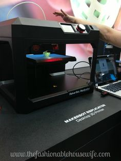 Mind = BLOWN by the 3D printers at #CES2015 #IntelTablets #Intel