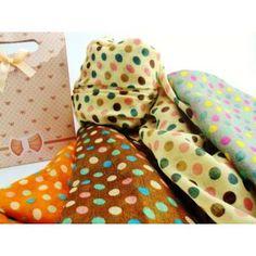 http://www.momparler1870.com/detalles/3514-5382-thickbox/foulard-lunares.jpg