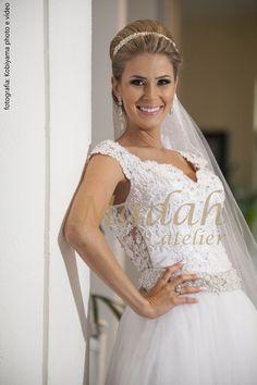 Noiva: Flávia Fotografia: Kobiyama photo e vídeo #madahatelier #noivasdamadah #wedding #weddingdress #bride #dreamdress #weddingday #weddingdress #noivas #casamento #vestidodenoiva