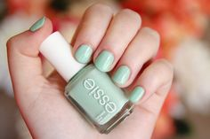 New blog post-- Nail of the Day: Essie Fashion Playground http://allisonanderson.com