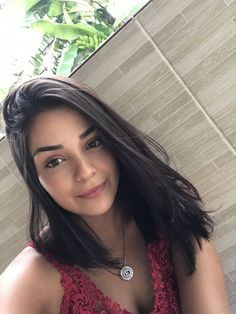 Different Hairstyles for Medium Straight Hair Best Picture For dark hair styles prom For Your Taste Side Part Hairstyles, Long Face Hairstyles, Chic Hairstyles, Undercut Hairstyles, Trending Hairstyles, Celebrity Hairstyles, Medium Straight Hairstyles, Blonde Hairstyles, Short Hair Updo