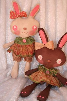Free & Easy Bunny Tutorial with Printable Pattern from nicoleellison.typepad.com (Raggedy Old Annies)