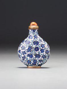 A cobalt-blue, turquoise-blue and white cloisonné enamel snuff bottle Probably Imperial, attributed to the palace workshops, Beijing 1760–1799