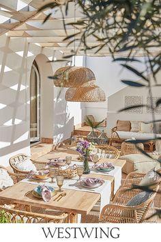 Outdoor Rooms, Outdoor Dining, Beach House Decor, Diy Home Decor, Room Decor, Backyard Pool Designs, Home Living, Dining Room Design, Home Interior Design