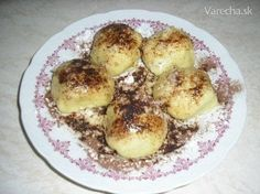 Bezlepkové parené buchty (Slovak gluten free steamed dumplings), usually filled with jam or some sort of fruit, best with stone fruit. topped with cocoa, powdered sugar and melted butter. so good!