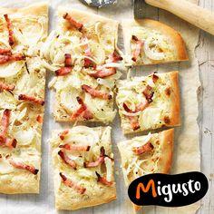Tarte flambée traditionnelle avec lard et oignons Pancetta, Lard, Beauty Care, Finger Foods, Vegetable Pizza, Quinoa, Food And Drink, Low Carb, Favorite Recipes