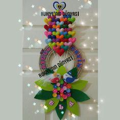 Çiçekli balonlu kapi süsü