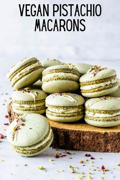 These are my Vegan Pistachio Macarons, made using the French method, filled with Vegan Pistachio Buttercream. Using pistachio flour in the shells. Vegan Treats, Vegan Desserts, Delicious Desserts, Vegan Recipes, Yummy Food, Plated Desserts, Macarons Vegan, Pistachio Macarons, Arabic Sweets