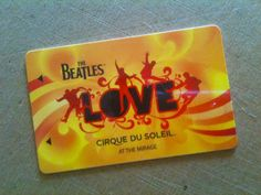 """Para los que van a Las Vegas yo recomiendo este espectáculo del Cirque du Soleil: """"The Beatles – Love"""" en el Hotel Mirage. Si te gustan los Beatles luego te volverás loca!  Es un espectáculo precioso, con los mejores artistas de circo en el mundo, increíbles efectos especiales y buena música."""