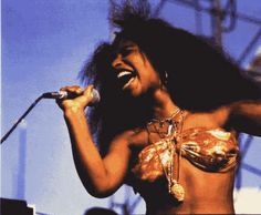 See Chaka Khan pictures, photo shoots, and listen online to the latest music. Soul Singers, Female Singers, Black Girl Magic, Black Girls, Chaka Khan, Vintage Black Glamour, Black Girl Aesthetic, Black Is Beautiful, Fashion History