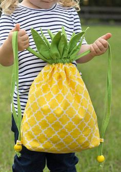 The best DIY projects & DIY ideas and tutorials: sewing, paper craft, DIY. Diy Crafts Ideas Easy Sewing Projects to Sell - Pineapple Drawstring Backpack - DIY Sewing Ideas for Your Craft Business. Fabric Crafts, Sewing Crafts, Sewing Projects, Diy Crafts, Sewing Hacks, Sewing Tutorials, Sewing Patterns, Knitting Patterns, Diy Couture