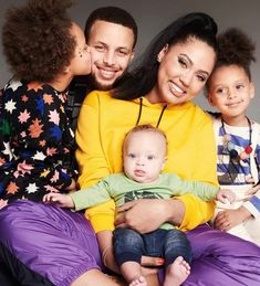 Pro Basketball Player Steph Curry With His Wife And Children. Cute Family, Family First, Beautiful Family, Beautiful Children, Beautiful Babies, Beautiful People, Stephen Curry Family, The Curry Family, Family Matters
