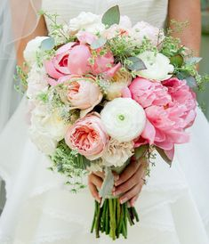Peony, garden rose and ranunculus bouquet. Colours for bouquet Ranunculus Bouquet, Peony Bouquet Wedding, Spring Wedding Flowers, Bride Bouquets, Bridal Flowers, White Ranunculus, Pink Peonies, Spring Weddings, Pastel Weddings