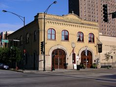 Chicago Firehouse Restaurant at 1401 S. Michigan Ave, built 101.