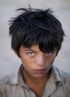 Boy from a slum, Sahiwal, Pakistan By Sohail Karmani #poverty