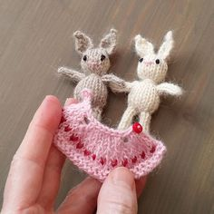Smallest knitted dress and bunny! Free pattern is actually @ http://littlecottonrabbits.typepad.co.uk/free_knitting_patterns/